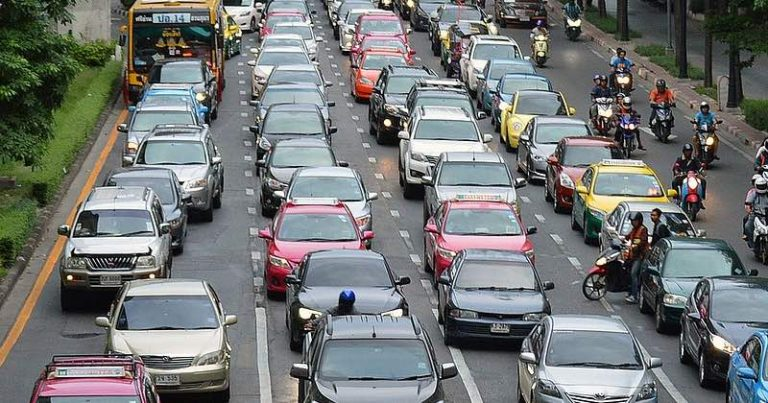 Un pirate pouvait localiser des milliers de voitures et couper leurs moteurs à distance via des applications GPS mal sécurisées.